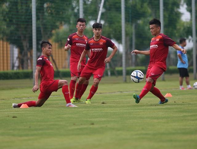 Tiền vệ Việt kiều Martin Lo quyết ghi điểm với HLV Park Hang Seo - 13