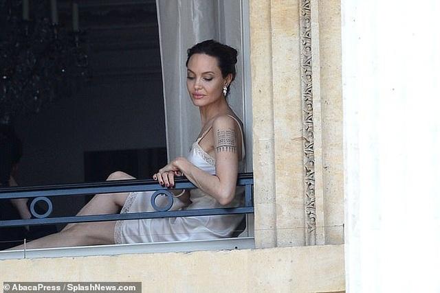 Angelina Jolie quyến rũ quay quảng cáo nước hoa - 6