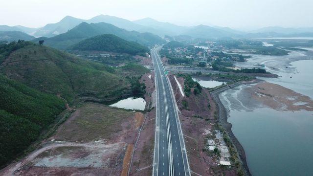 Nâng tốc độ tối đa cho phép trên cao tốc Hạ Long - Vân Đồn lên 100 km/h - 3