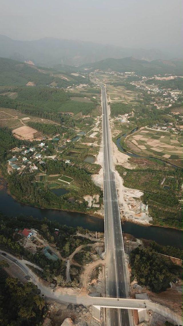 Nâng tốc độ tối đa cho phép trên cao tốc Hạ Long - Vân Đồn lên 100 km/h - 1