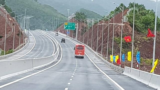 Nâng tốc độ tối đa cho phép trên cao tốc Hạ Long - Vân Đồn lên 100 km/h - 2