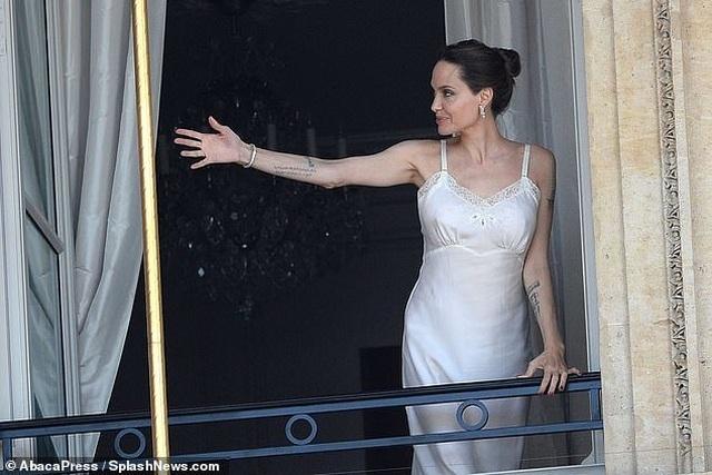 Angelina Jolie quyến rũ quay quảng cáo nước hoa - 4