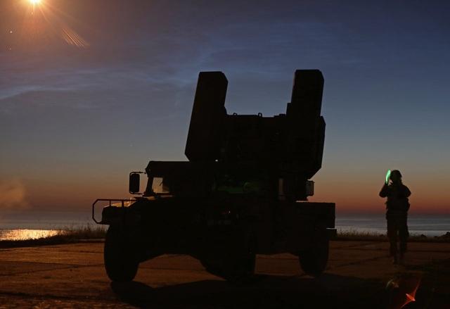 Mỹ diễn tập tiêu diệt mục tiêu bằng hệ thống phòng không cơn lốc lửa tại Đông Âu' - 7