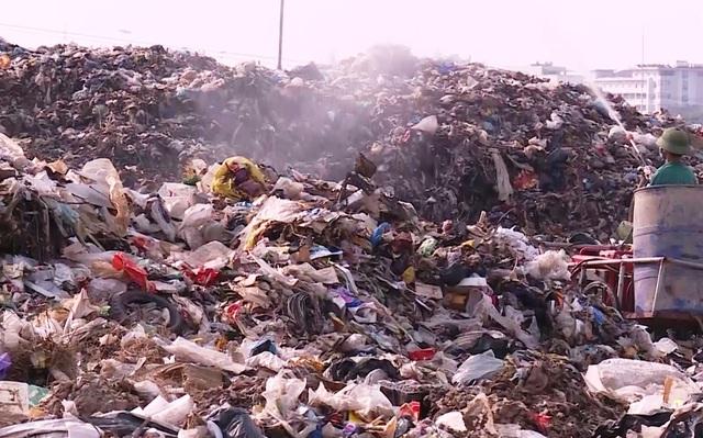 Ám ảnh lượng rác thải khổng lồ của thành phố biển Sầm Sơn - 3