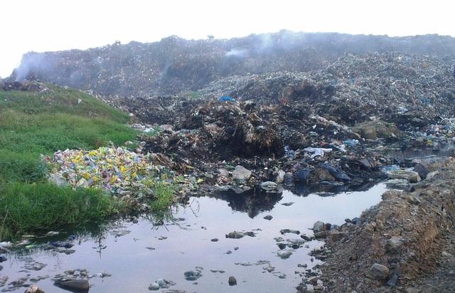 Ám ảnh lượng rác thải khổng lồ của thành phố biển Sầm Sơn - 1