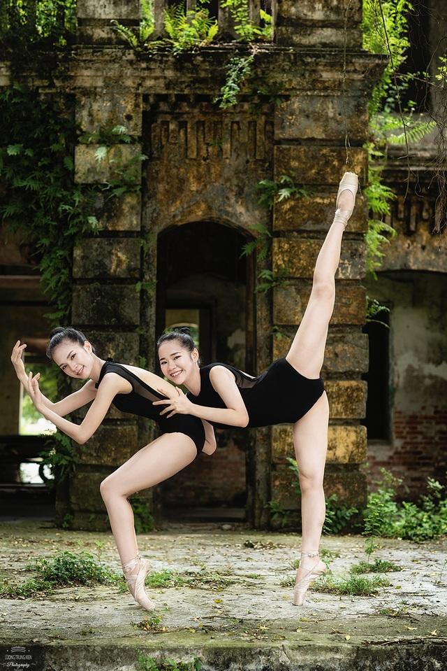 Bộ ảnh thiếu nữ múa ballet trong toà viện cổ thu hút dân mạng - 3