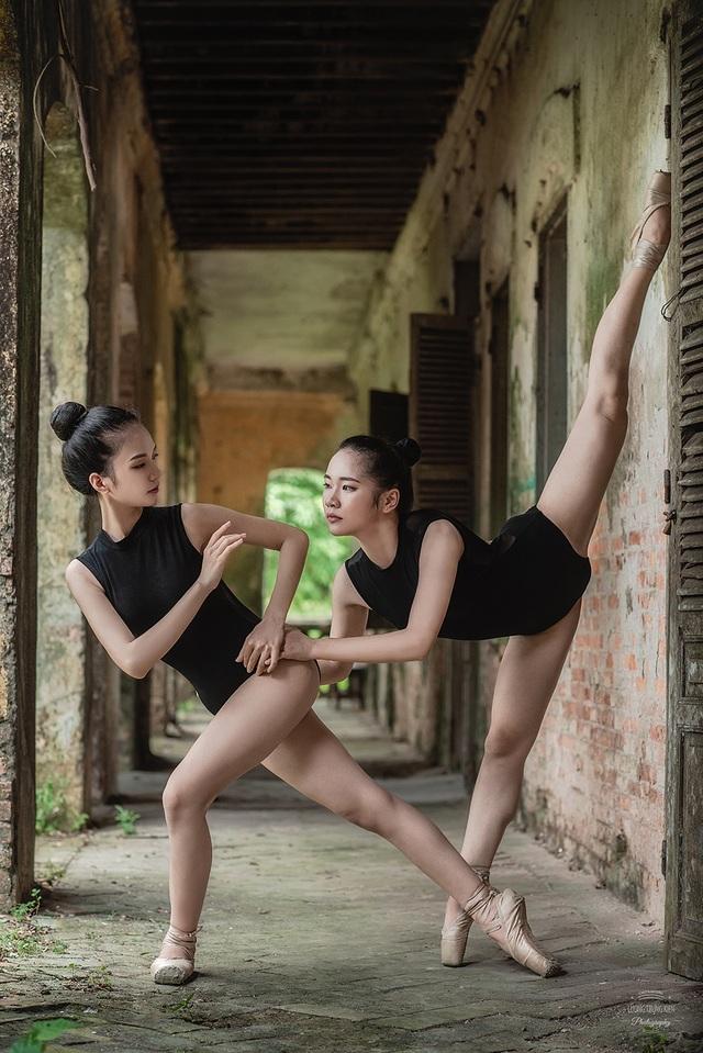 Bộ ảnh thiếu nữ múa ballet trong toà viện cổ thu hút dân mạng - 5