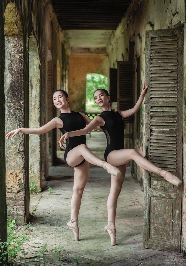 Bộ ảnh thiếu nữ múa ballet trong toà viện cổ thu hút dân mạng - 1