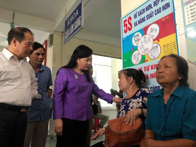 Bộ trưởng Y tế gay gắt phê bình sự lãng phí phòng cho sinh đẻ tại các trạm y tế xã - 4