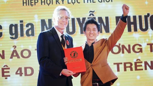 Ảo thuật gia Nguyễn Phương một lần nữa xác lập kỷ lục thế giới - 3