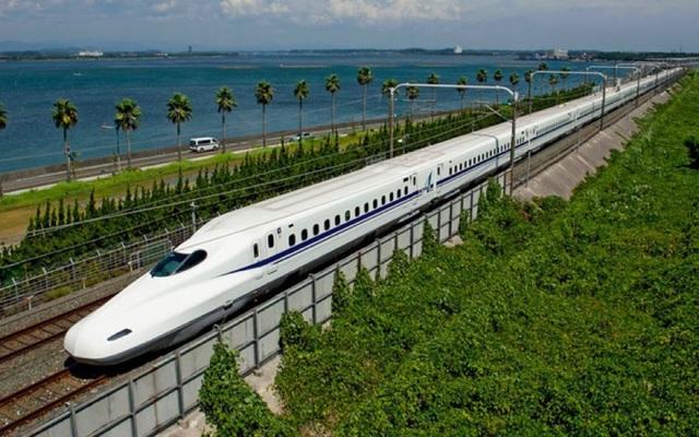 Bộ KHĐT đốc thúc nghiên cứu làm đường sắt cao tốc Bắc - Nam 200 km/giờ - 1