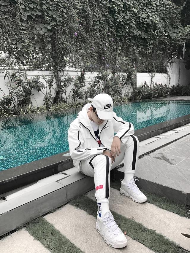 Em trai Sơn Tùng M-TP khoe ảnh lộ vẻ đẹp trai, sành điệu - 6
