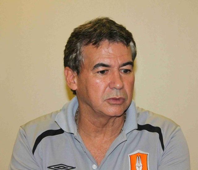 Bao nhiêu huấn luyện viên ngoại thành công cùng tuyển Thái Lan? - 2