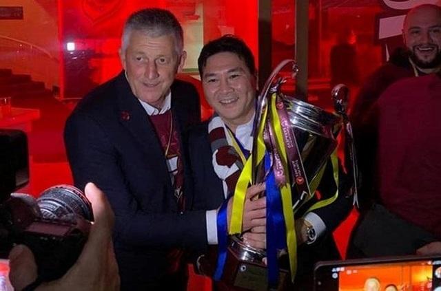 Từ chối ghế ở VFF, doanh nhân Nguyễn Hoài Nam sang châu Âu dự vòng loại Champions League - 1