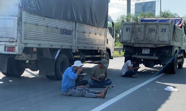 """Cao tốc """"tê liệt"""", hàng loạt tuyến đường phía Đông Sài Gòn kẹt cứng - 6"""