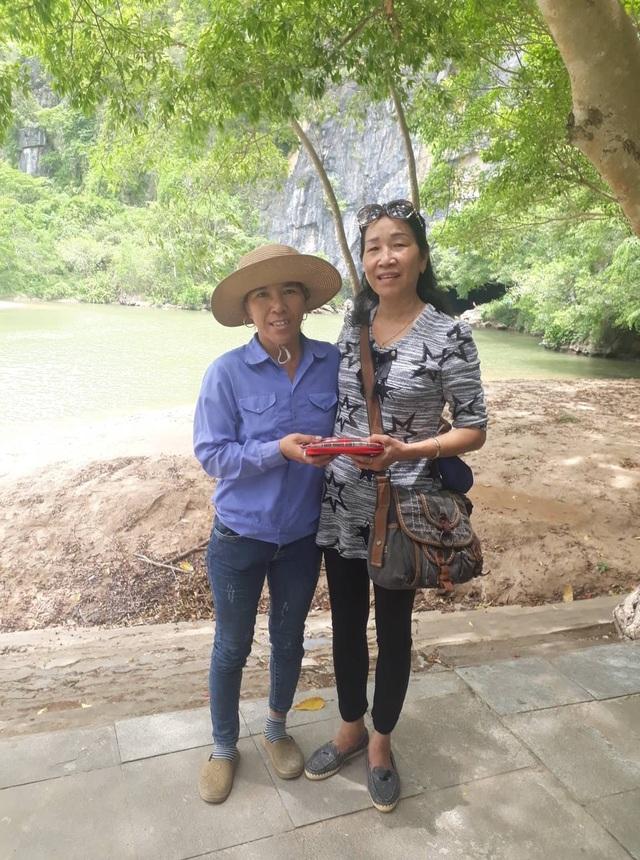 Quảng Bình: Du khách vui mừng nhận lại ví bị rơi  - 1