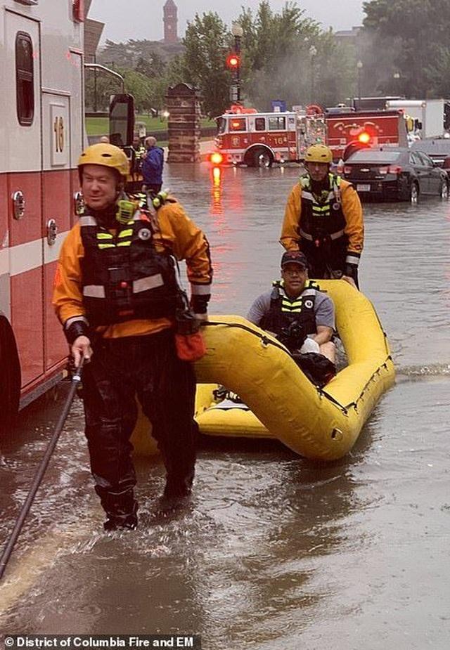 Thủ đô Wasington ngập nặng vì mưa lớn, Nhà Trắng cũng không thoát - 4
