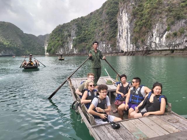 Khách Trung Quốc đến Việt Nam bất ngờ sụt giảm, khách Thái Lan tăng kỷ lục - 1