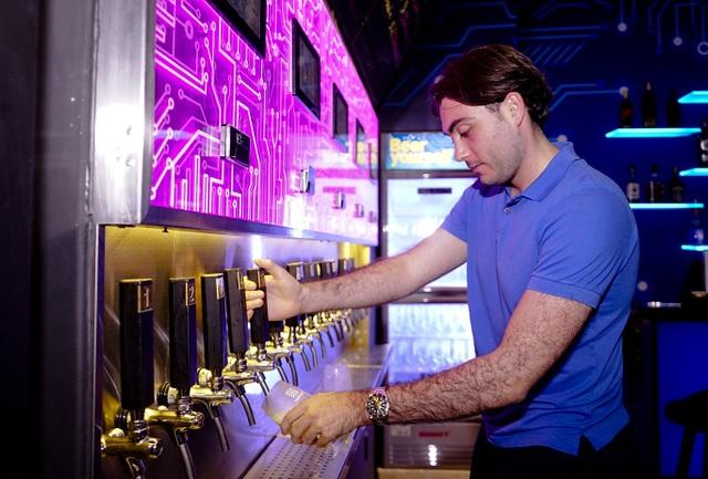 Chỉ cần 1.000 đồng cũng có thể uống bia nổi tiếng thế giới - 5