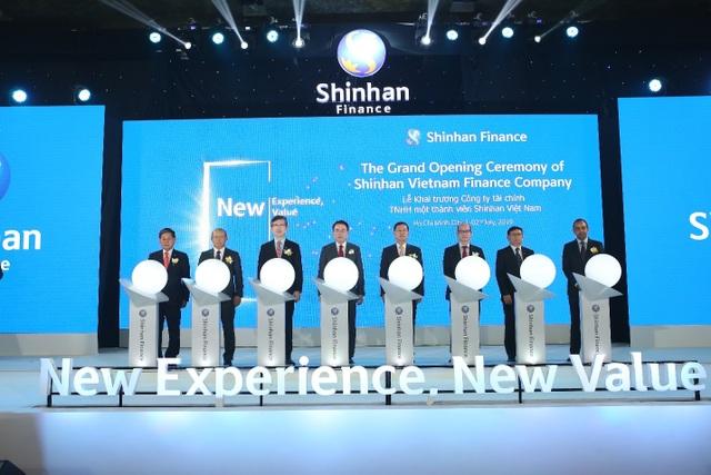 Shinhan Card chính thức ra mắt Shinhan Finance cùng Hệ thống nhận diện Thương hiệu tại Việt Nam - 1