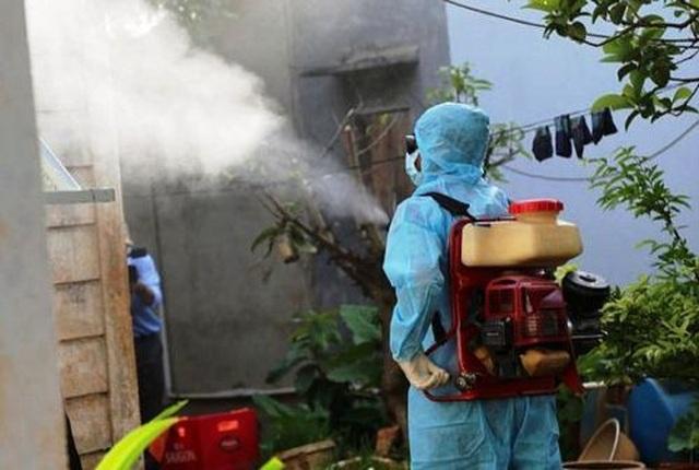 Bệnh sốt xuất huyết ở Đắk Lắk tăng đột biến gấp 7 lần - 1