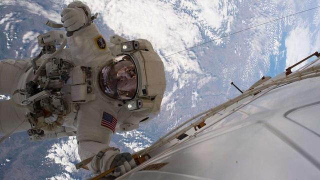 Du hành vào vũ trụ không làm tăng nguy cơ ung thư - 1