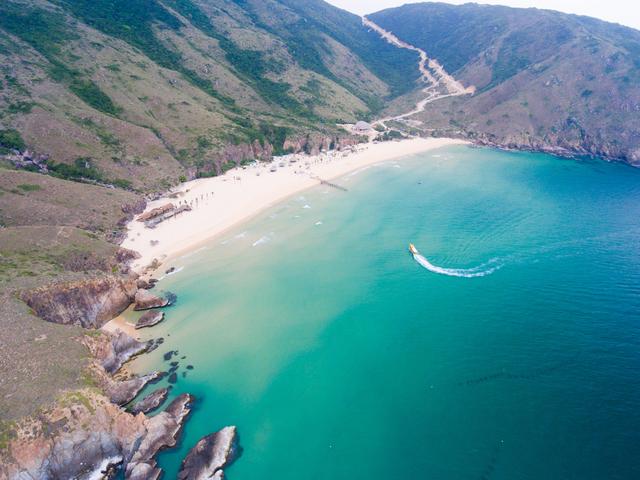 Thiên đường biển đảo dành cho du lịch hè - 1