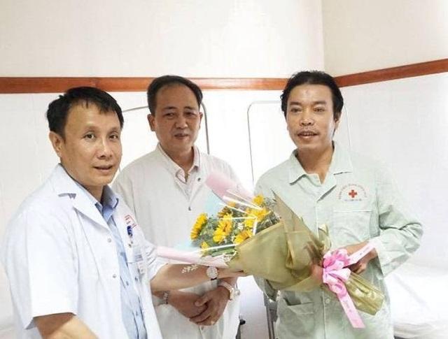 Lần đầu tiên ghép giác mạc thành công cho 2 bệnh nhân từ 1 cựu binh hiến tặng - 4