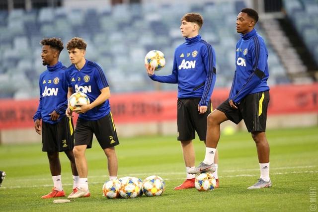 Các tân binh đắt giá tập luyện cùng Man Utd tại Australia - 3