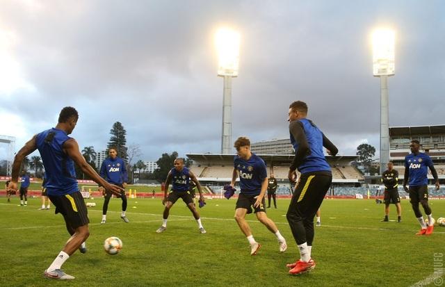 Các tân binh đắt giá tập luyện cùng Man Utd tại Australia - 19