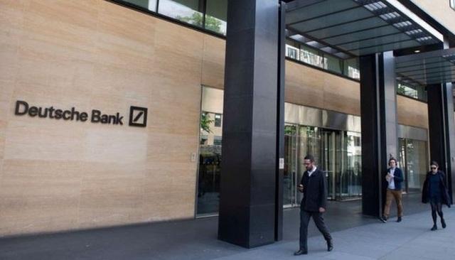 Thua lỗ triền miên, ngân hàng lớn nhất châu Âu sa thải 18.000 nhân viên - 1