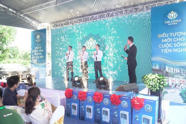 Đông đảo khách hàng tham dự khai trương căn hộ mẫu TSG Lotus Sài Đồng - 2