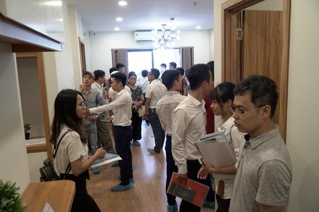 Đông đảo khách hàng tham dự khai trương căn hộ mẫu TSG Lotus Sài Đồng - 3