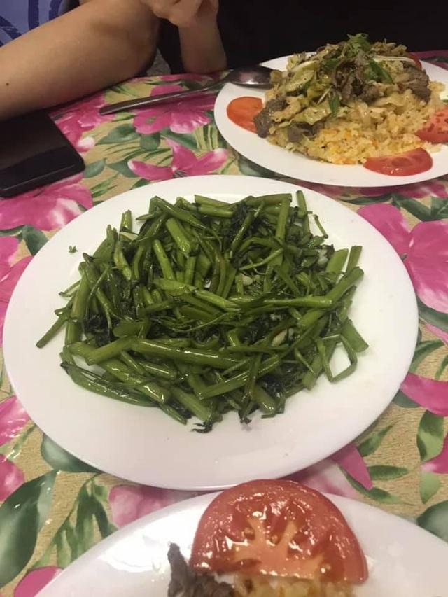 Rau muống ở Việt Nam rẻ bằng cốc trà đá, ra nước ngoài đại gia mới dám mua ăn - 5