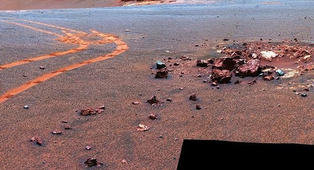 Các nhà khoa học lý giải bí ẩn khí mêtan trên sao Hỏa - 1