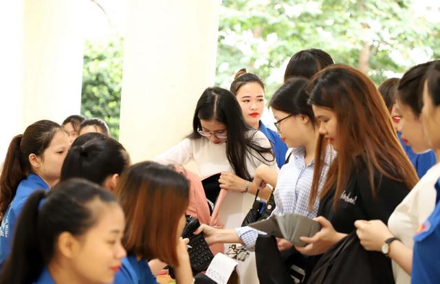 Hơn 800 thí sinh bước vào cuộc tranh tài năng khiếu tại trường CĐ Sư phạm Trung ương - 11