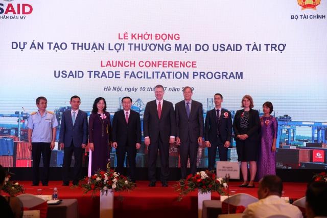 Hợp tác kinh tế thương mại là động lực thúc đẩy quan hệ Việt Nam - Hoa Kỳ - 2