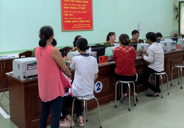 Người dân ngoại tỉnh được cấp đổi, cấp lại thẻ Căn cước công dân tại TPHCM - 1