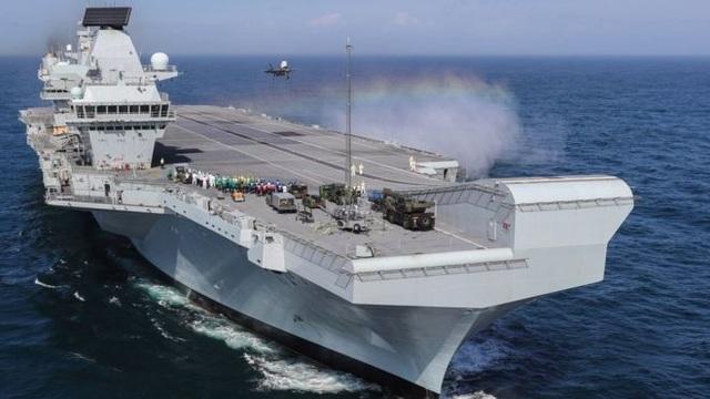 Tàu sân bay 4 tỷ USD của Anh lại bị rò rỉ khiến nước biển tràn vào - 1