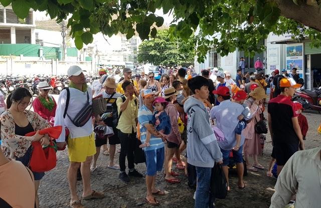 """Chủ tịch Khánh Hòa: """"Tránh tình trạng ăn xổi ở thì trong kinh doanh du lịch"""" - 1"""