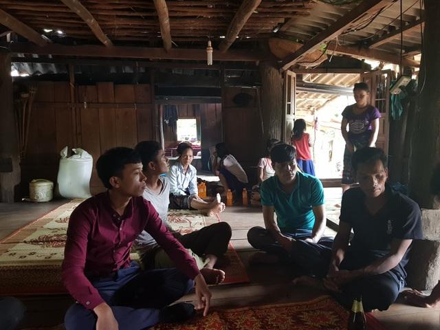 Những cư dân vừa nhập quốc tịch Việt Nam phấn khởi xây dựng cuộc sống mới - 1