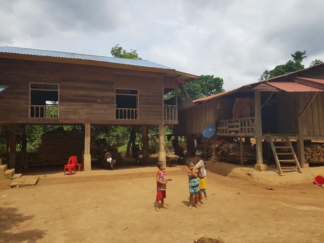 Những cư dân vừa nhập quốc tịch Việt Nam phấn khởi xây dựng cuộc sống mới - 6