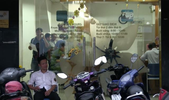 Bắt nghi can dùng súng cướp ngân hàng ở Sài Gòn