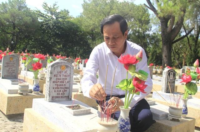 Trao hơn 1 tỷ đồng mua trang thiết bị Nhà đón tiếp Nghĩa trang Quốc gia Trường Sơn - 2