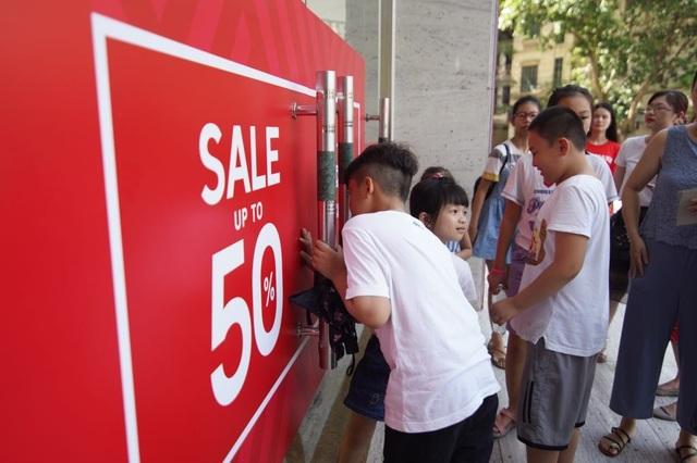 Các thương hiệu Việt nâng mức giảm giá vượt ngưỡng 50% tại Vincom Red Sale 2019 - 1