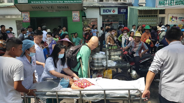 Ký túc xá ở Sài Gòn cháy dữ dội, nhiều người mắc kẹt - 5