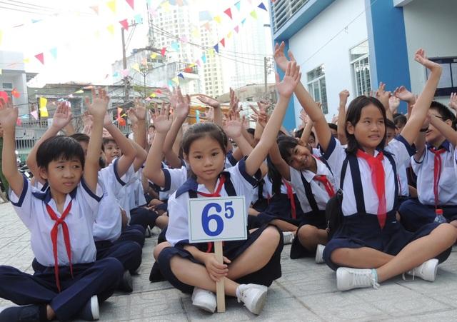 TPHCM tăng trên 75.000 học sinh trong năm học mới - 1