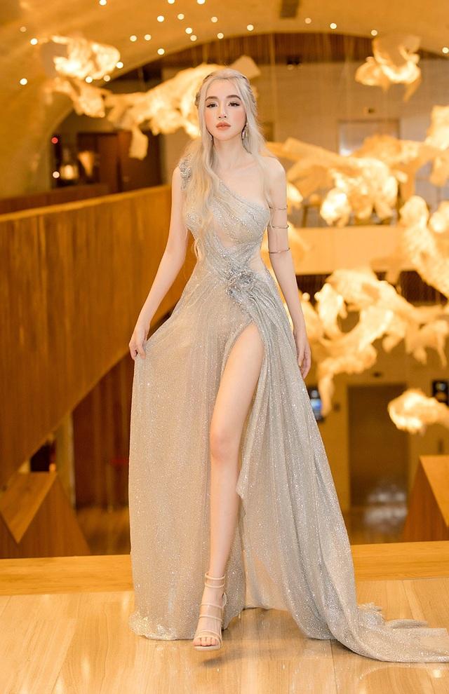 Elly Trần quyến rũ với tạo hình Mẹ Rồng trong Trò chơi vương quyền - 4