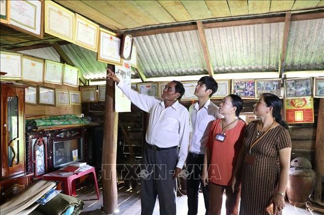 Già làng Nay Bim hiến đất xây dựng trường học vùng khó - 1