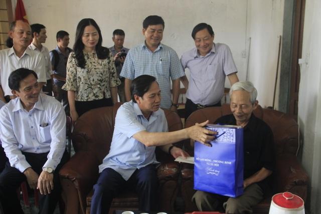 Trao hơn 1 tỷ đồng mua trang thiết bị Nhà đón tiếp Nghĩa trang Quốc gia Trường Sơn - 6